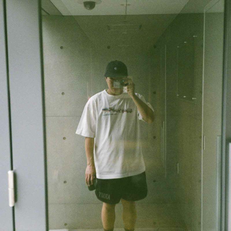 KATA POSTCARD TEE Tシャツ